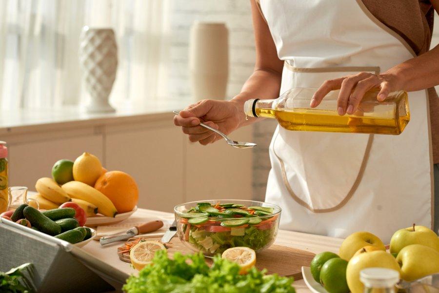 zakraszamy danie oliwą